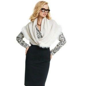 Cabi | Long sleeves blouse v-neck